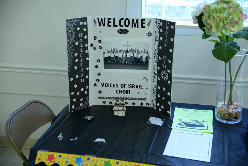 VOI Choir Sign